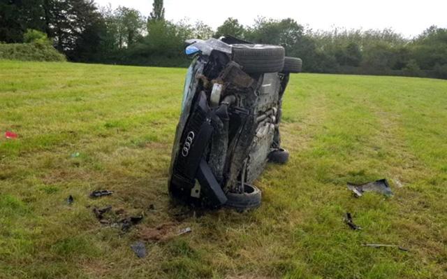 Vụ tai nạn ở vận tốc 200 km/h này cho thấy xe Audi đắt xắt ra miếng - Ảnh 2.