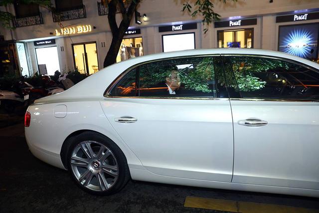 Sao Người Phán Xử Việt Anh đi dự sự kiện bằng xe tiền tỷ Bentley Flying Spur V8 - Ảnh 1.