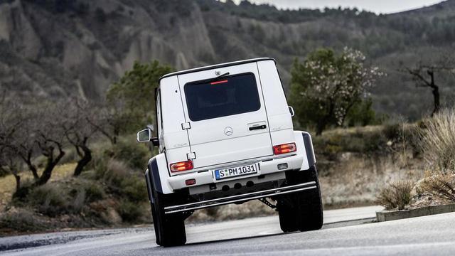 SUV hạng sang bánh lớn Mercedes-Benz G500 4×4² bị khai tử trong tháng này - Ảnh 4.