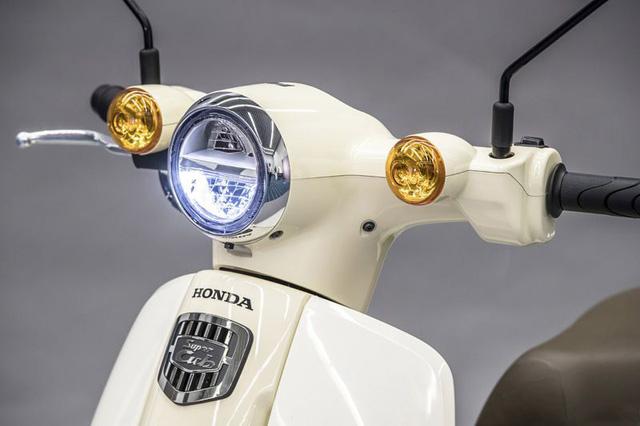 Không hổ danh là xe máy bán chạy nhất mọi thời đại, Honda Super Cub đạt mốc 100 triệu chiếc xuất xưởng - Ảnh 2.