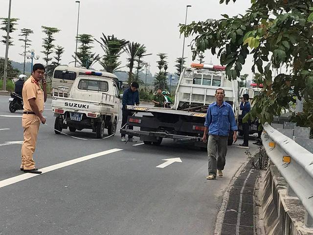 Tập thể dục gần cầu Nhật Tân, 2 phụ nữ bị xe cứu hộ tông chết - Ảnh 2.