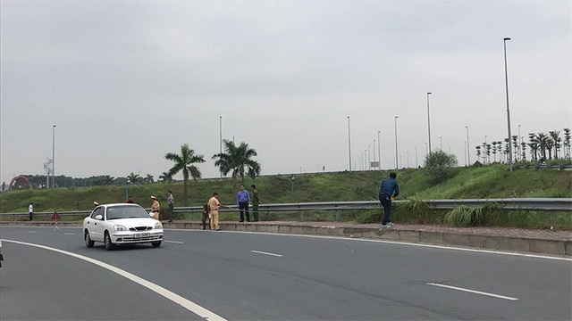 Tập thể dục gần cầu Nhật Tân, 2 phụ nữ bị xe cứu hộ tông chết - Ảnh 3.