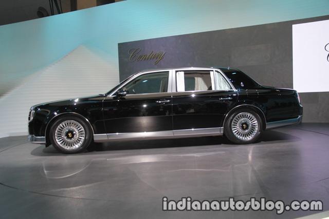 Chiêm ngưỡng vẻ đẹp hoài cổ của limousine 4 cửa Toyota Century 2018 ngoài đời thực - Ảnh 2.