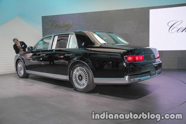 Chiêm ngưỡng vẻ đẹp hoài cổ của limousine 4 cửa Toyota Century 2018 ngoài đời thực - Ảnh 10.