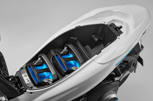 Bộ đôi Honda PCX Hybrid và PCX Electric được vén màn, sẽ bán vào năm sau - Ảnh 4.