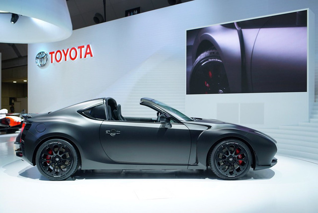 Ngắm Toyota GR HV Sports - phiên bản mui trần của xe từng ế nhất Việt Nam - bằng xương, bằng thịt - Ảnh 2.