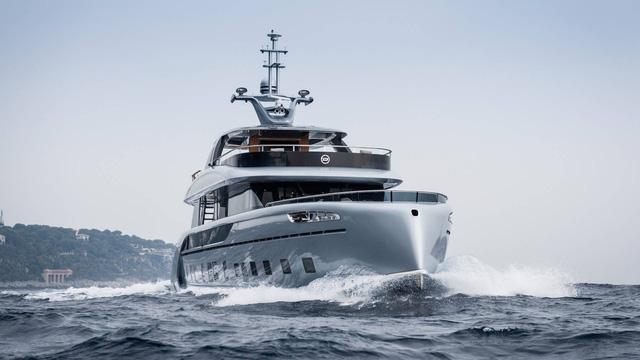 Choáng ngợp với vẻ đẹp của siêu du thuyền trị giá 334 tỷ Đồng của Porsche - Ảnh 6.