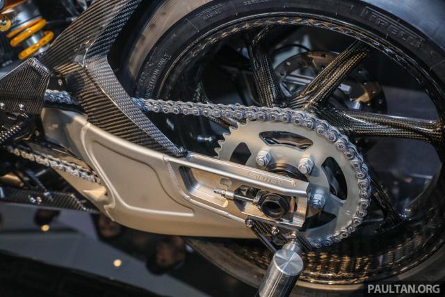 Mô tô siêu nhẹ và công nghệ cao BMW HP4 Race có mặt tại Đông Nam Á, giá từ 2,8 tỷ Đồng - Ảnh 10.