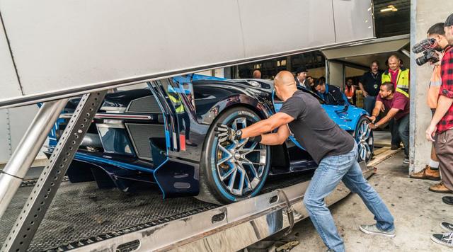 Hết duyên với Hoàng tử Ả-Rập, Bugatti Vision Gran Turismo về tay đại gia bí ẩn - Ảnh 4.