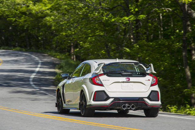 Xe hiệu suất cao Honda Civic Type R tăng giá ở phiên bản 2018 - Ảnh 4.