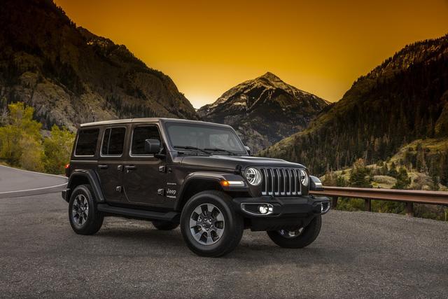 Lộ nội thất của xe việt dã Jeep Wrangler 2018 - Ảnh 2.