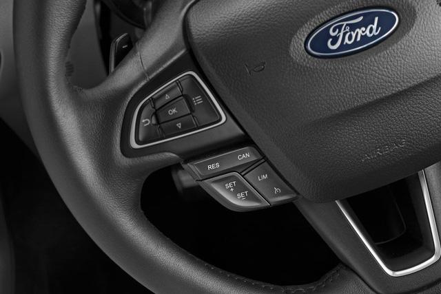 Ford EcoSport 2018 ra mắt Ấn Độ với giá hấp dẫn - Ảnh 4.
