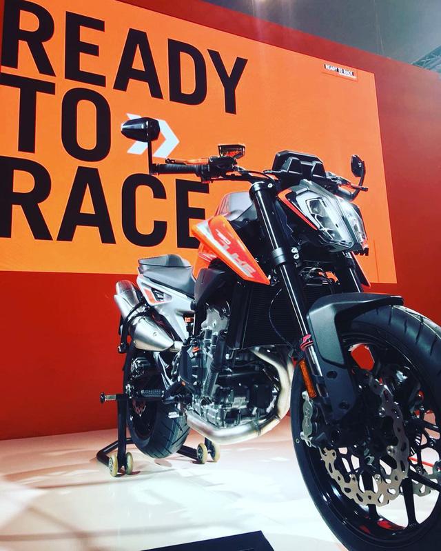 KTM 790 Duke - Naked bike ta?�m trung hoA�n toA�n ma��i - a??nh 10.