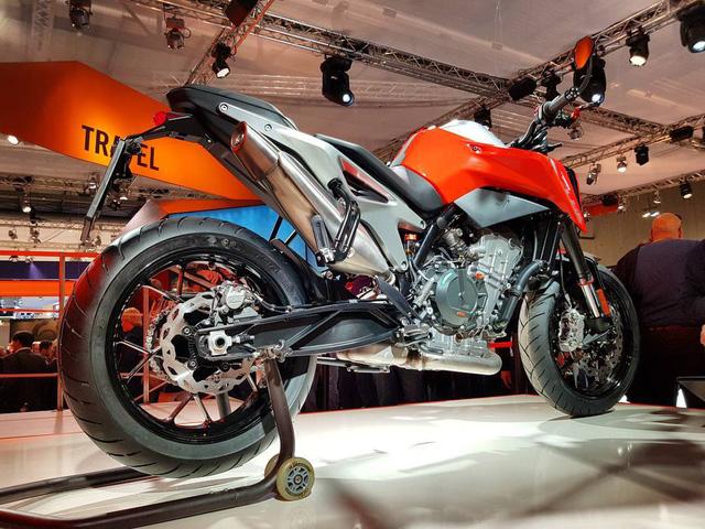 KTM 790 Duke - Naked bike ta?�m trung hoA�n toA�n ma��i - a??nh 11.