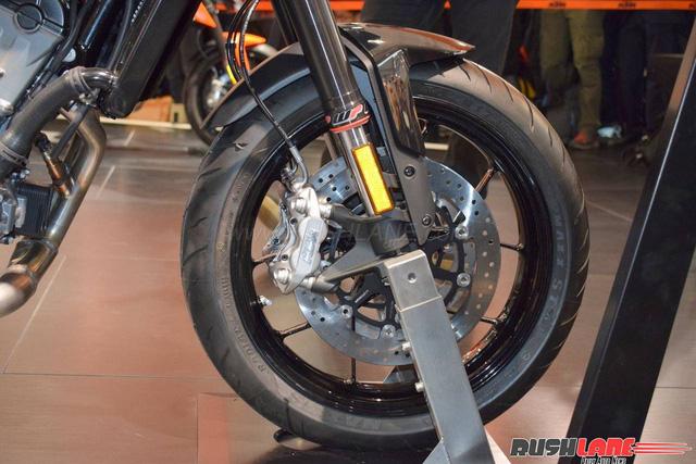 KTM 790 Duke - Naked bike ta?�m trung hoA�n toA�n ma��i - a??nh 14.