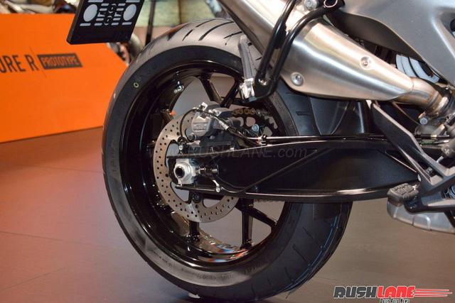 KTM 790 Duke - Naked bike ta?�m trung hoA�n toA�n ma��i - a??nh 15.