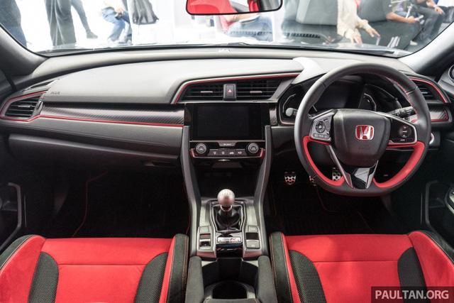 Honda Civic Type R 2017 vừa ra mắt Malaysia đã vượt doanh số mong đợi - Ảnh 5.