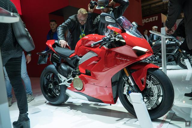 Ducati Panigale V4 được bình chọn là mô tô đẹp nhất triển lãm EICMA 2017 - Ảnh 2.