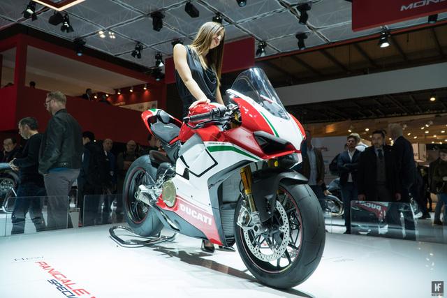 Ducati Panigale V4 được bình chọn là mô tô đẹp nhất triển lãm EICMA 2017 - Ảnh 3.