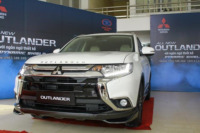 Noi gương Honda CR-V, Mitsubishi Outlander hạ giá còn gần 750 triệu Đồng để xả hàng tồn - Ảnh 1.