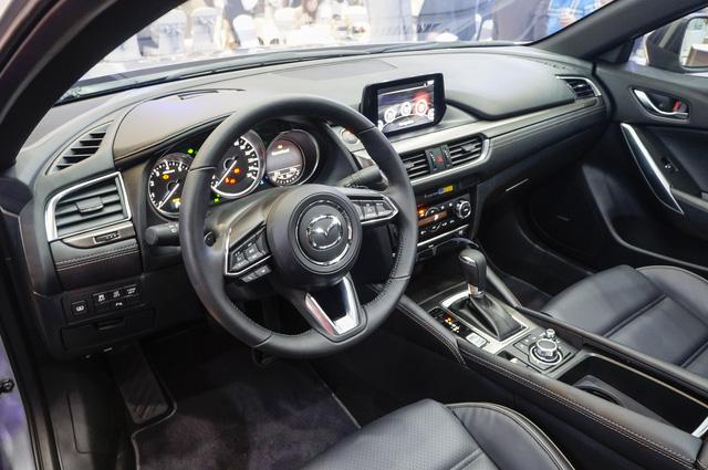 Thách thức Toyota Camry, Mazda6 mới ra mắt với giá 975 triệu Đồng - Ảnh 4.