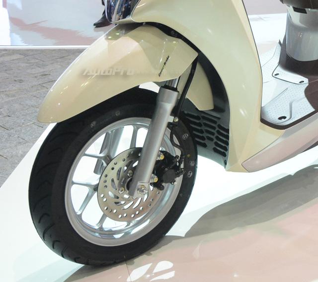 Honda Lead 2017: Tiết kiệm xăng hơn, có khóa thông minh giống  Honda SH - Ảnh 17.