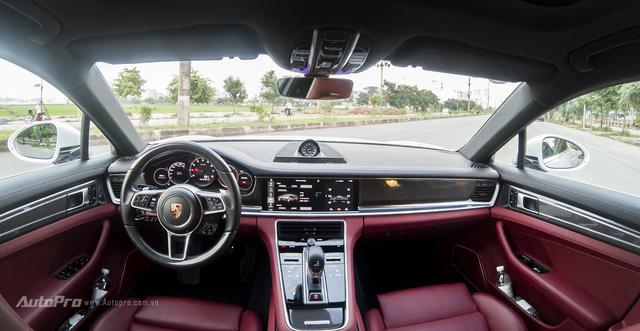 Với giá hơn 8,1 tỉ Đồng, Porsche Panamera 4S 2017 mang lại điều gì cho khách hàng Việt - Ảnh 2.