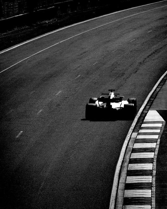 Đường đua F1 đẹp mộng mị qua máy ảnh phim 104 tuổi - Ảnh 4.