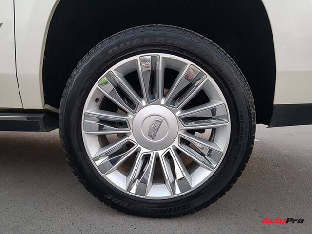 """""""Khủng long Mỹ"""" Cadillac Escalade ESV cũ rao bán giá giá 5,8 tỷ đồng tại Hà Nội - Ảnh 4."""