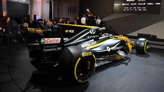 Renault ra mắt xe đua F1 mới cho mùa giải 2017 - Ảnh 10.