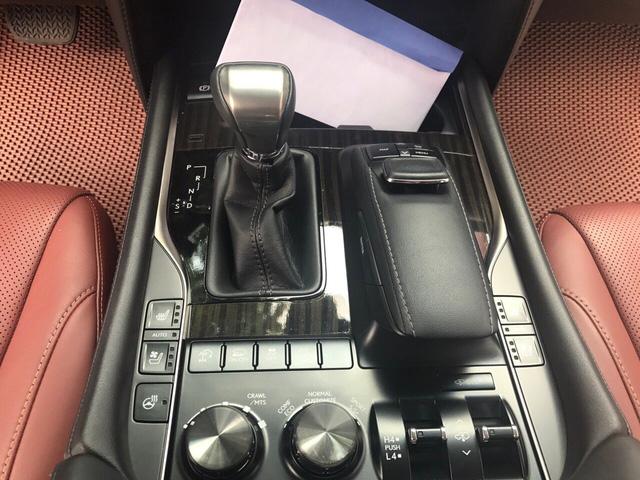 Chuyên cơ mặt đất Lexus LX570 2016 đi lướt giá rẻ hơn gần 2 tỷ so với mua mới - Ảnh 9.
