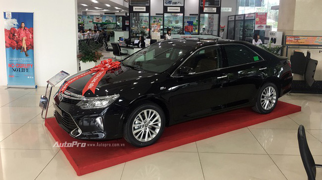 Bán chậm, hàng loạt sedan hạng D giảm giá để hút khách hàng Việt - Ảnh 2.