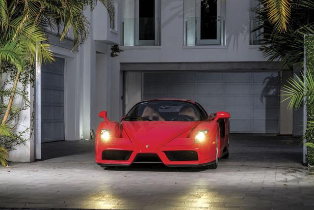 Năm 2002, Ferrari cho ra đời siêu xe Ferrari Enzo