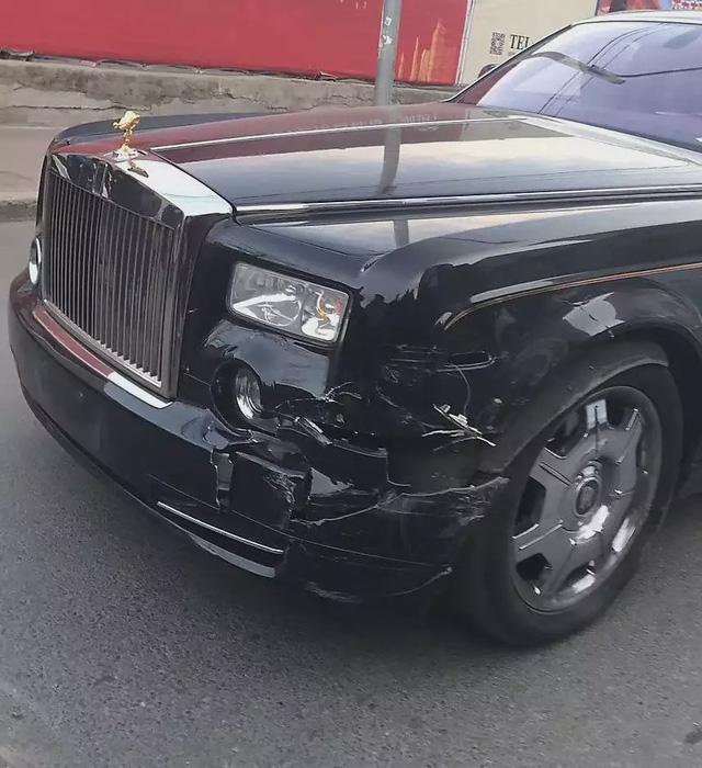Bị đâm vỡ đầu xe, chủ Rolls-Royce nói với tài xế Hyundai: Bán nhà đi - Ảnh 2.