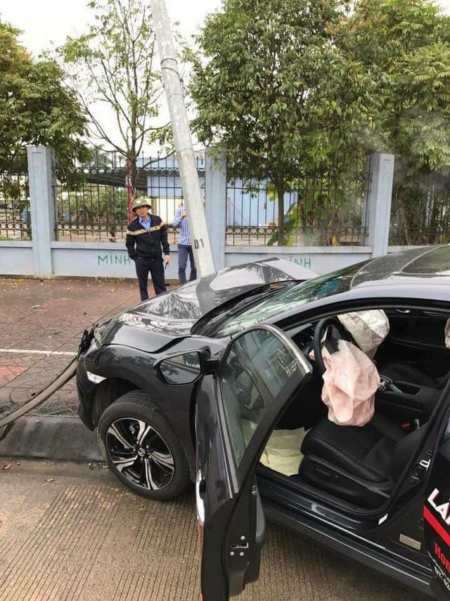 Xe chạy thử Honda Civic Turbo 2017 gặp tai nạn đáng tiếc - Ảnh 2.