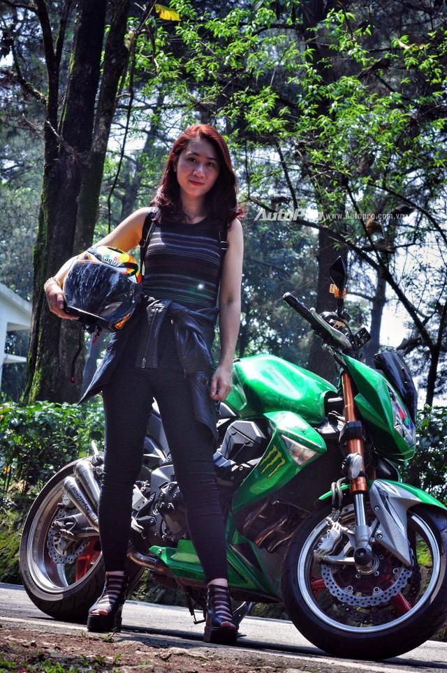 Gặp gỡ bộ ba nữ biker xinh đẹp đất Hà Thành - Ảnh 2.