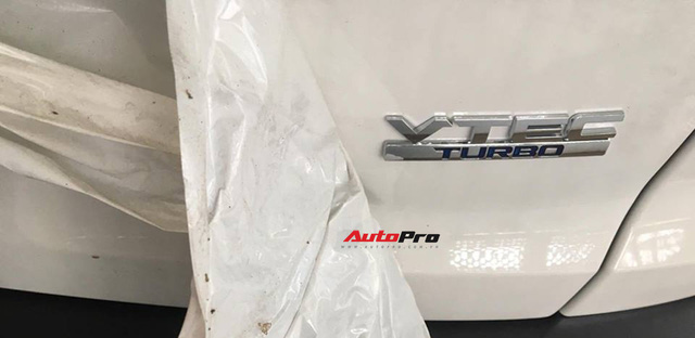 Honda CR-V 7 chỗ bất ngờ xuất hiện trên đường phố Hà Nội - Ảnh 5.