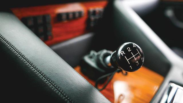 Lamborghini LM002 đã qua sử dụng có giá đắt hơn hai chiếc Lamborghini Urus đập hộp - Ảnh 6.