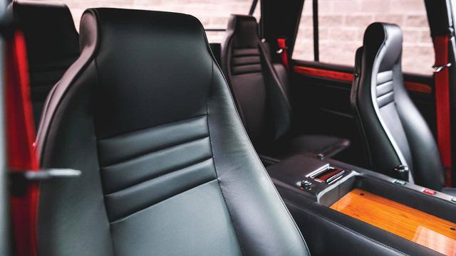 Lamborghini LM002 đã qua sử dụng có giá đắt hơn hai chiếc Lamborghini Urus đập hộp - Ảnh 9.