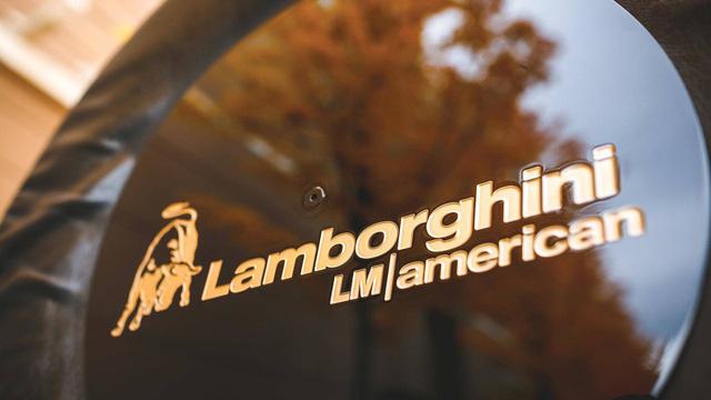Lamborghini LM002 đã qua sử dụng có giá đắt hơn hai chiếc Lamborghini Urus đập hộp - Ảnh 13.