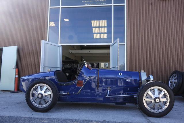 Gặp gỡ bản sao giá hơn 5 tỉ của siêu phẩm Bugatti Type 35 - Ảnh 5.
