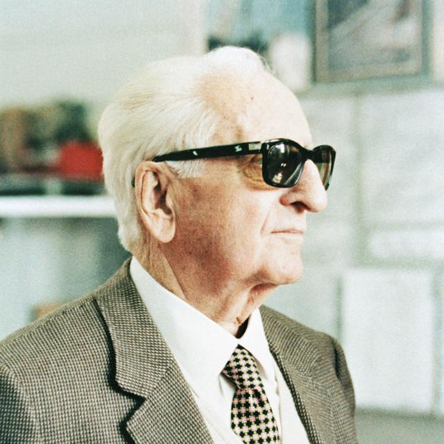 Nhắc tới Ferrari, không thể không nhắc tới cha đẻ của thương hiệu siêu xe này - ông Enzo Ferrari