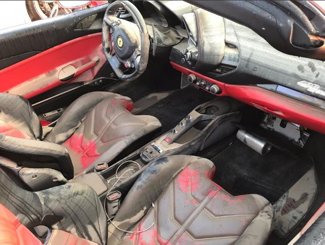 Sau video ngập nước do bão Harvey, cặp đôi siêu xe Ferrari mui trần tập kết tại trường đua Mỹ - Ảnh 5.