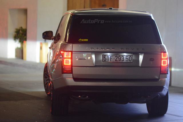 Vợ chồng Hà Tăng đến dự tiệc cưới Hoa hậu Thu Thảo trên Range Rover Autobiography 8 tỷ Đồng - Ảnh 4.