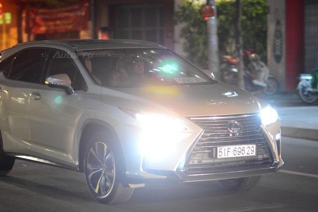 Vợ chồng Hà Tăng đến dự tiệc cưới Hoa hậu Thu Thảo trên Range Rover Autobiography 8 tỷ Đồng - Ảnh 17.