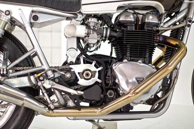 """""""HOT ROD' – chiếc Triumph Bonneville độ đầy đam mê từ Bồ Đào Nha - Ảnh 3."""
