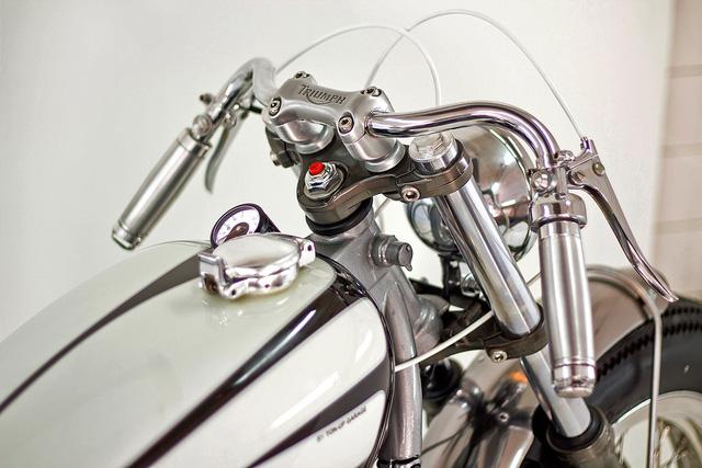 """""""HOT ROD' – chiếc Triumph Bonneville độ đầy đam mê từ Bồ Đào Nha - Ảnh 4."""