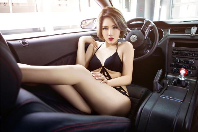 Chân dài nóng bỏng bên Ford Mustang - Ảnh 8.