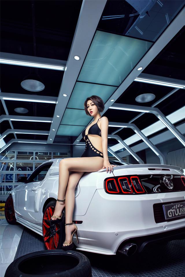 Chân dài nóng bỏng bên Ford Mustang - Ảnh 6.