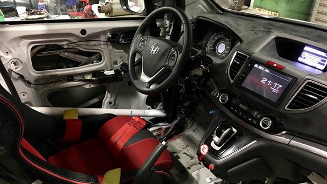 Honda CR-V hàng thửa cho các cựu chiến binh khuyết tật trên đường đua - Ảnh 3.